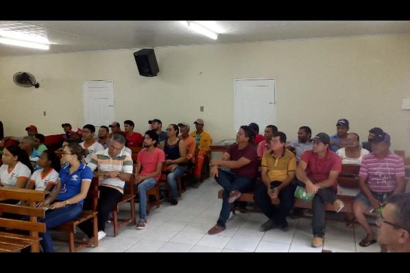 SERVIDORES PARTICIPAM DE PALESTRA SOBRE O PLANO MUNICIPAL DE SANEAMENTO