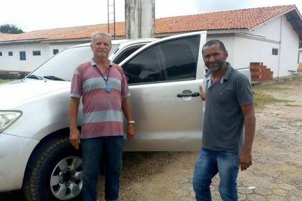 Prefeitura entrega caminhonete, Hilux a vigilância epidemiológica de São Pedro da Água Branca