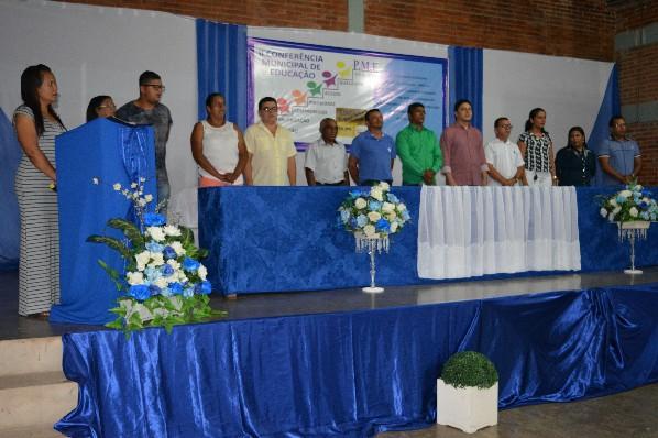 Conferência reúne autoridades e educadores em busca de crescimento para educação