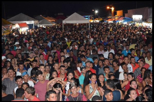 SHOW COM A BANDA TOM DE ALERTA MARCA 10ª TRILHA DA AVENTURA